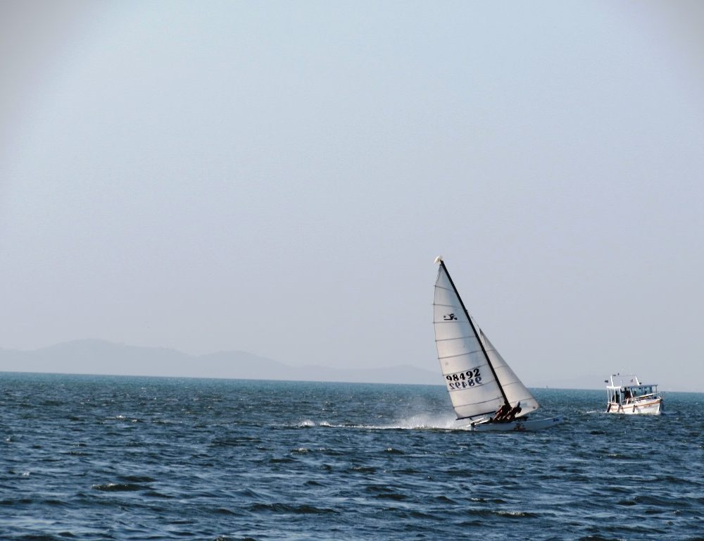 Passeio de barco entre Ribeira e Plataforma