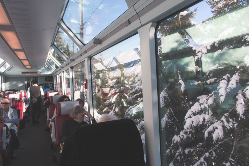 Glacier Express, o trem panorâmico entre Zermatt e St. Moritz na Suíça