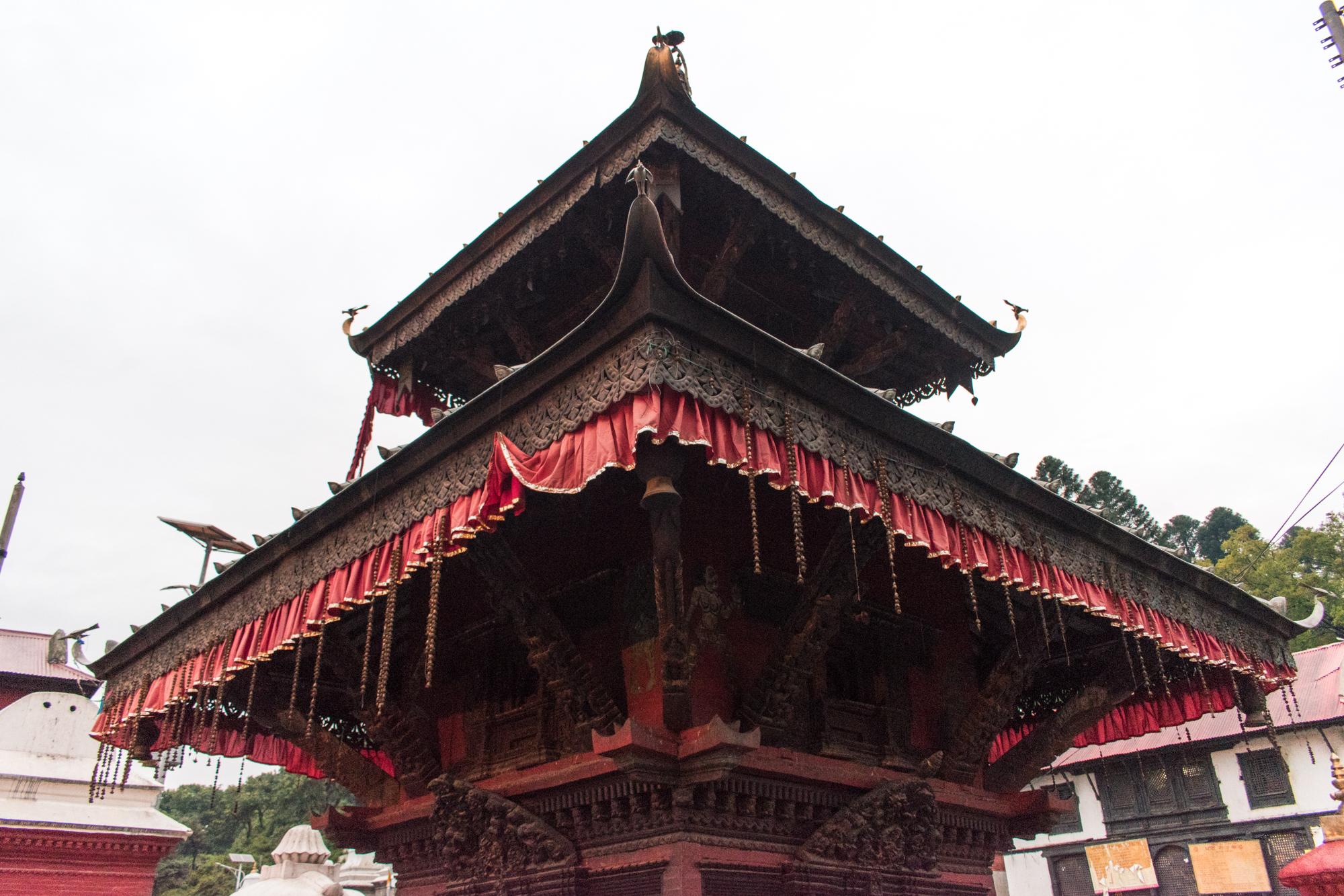 Cerimônia de cremação em Kathmandu no Nepal