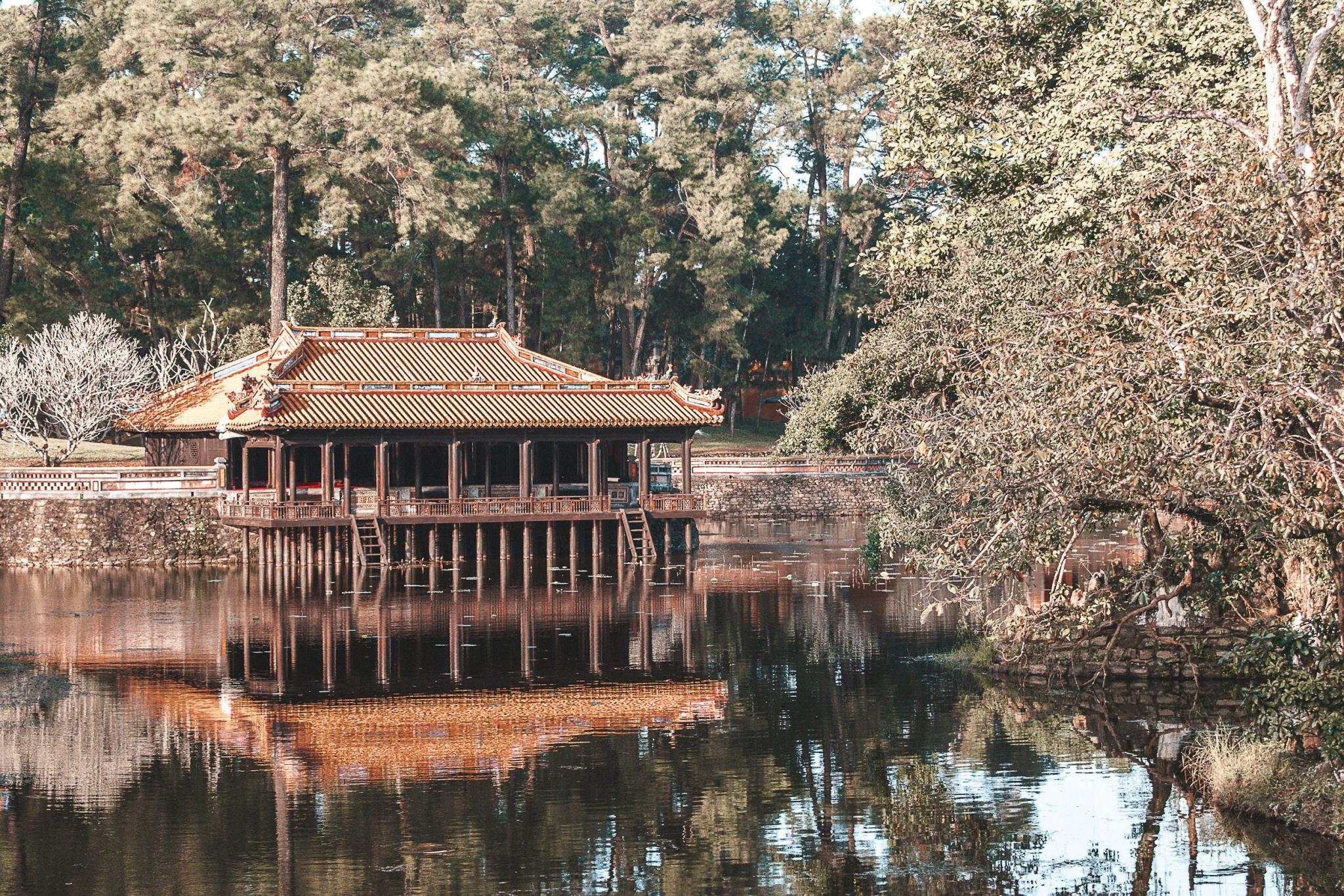 Tumba dos imperadores em Hue no Vietnã